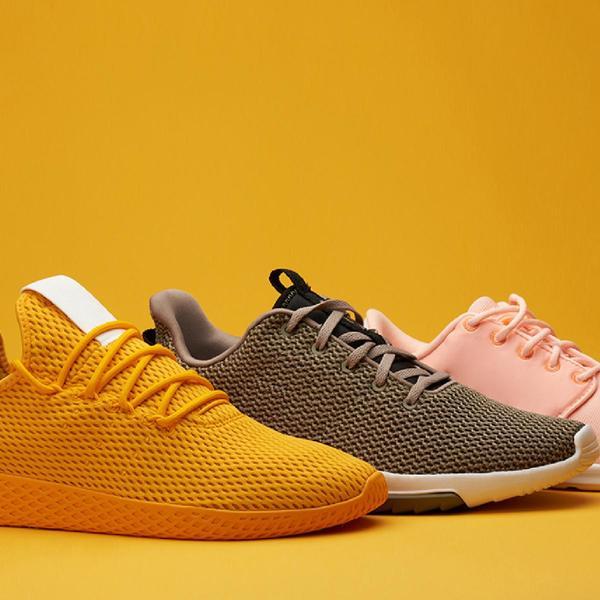 Stesso modello di scarpe di colore diverso