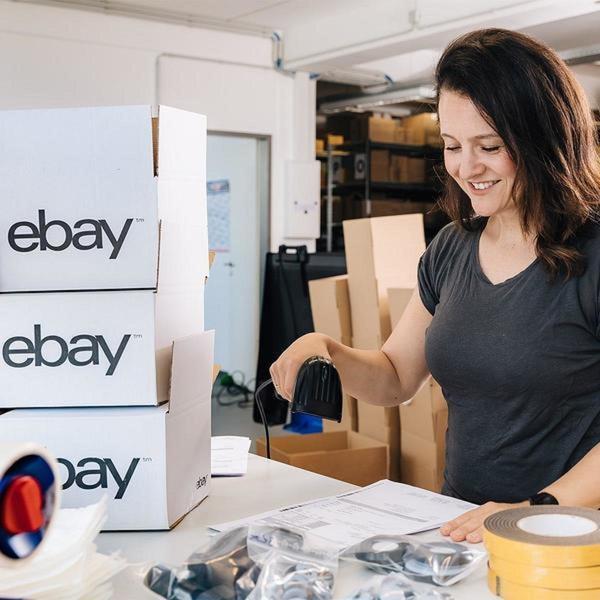 eBay-Verkäuferin scannt Sendung